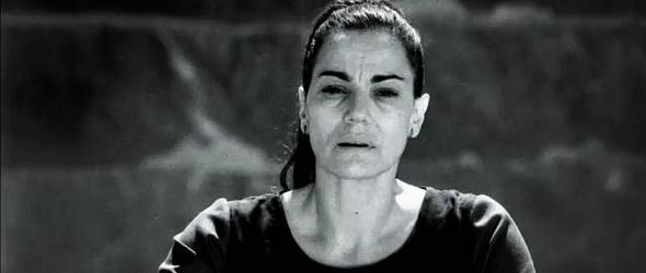 Véres videóval sokkol a román színésznő Verespatak ellen