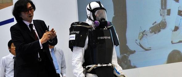 Sugárvédelmi robotruha a fukusimai munkásoknak