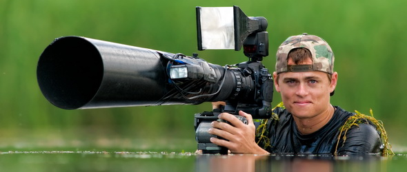 Éjszakai madárfotózásra készül a díjnyertes Máté Bence