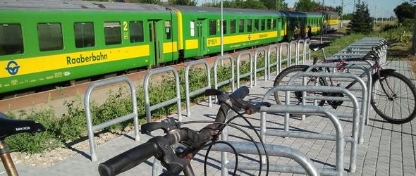29 helyszínen adott át új kerékpártárolókat a GYSEV