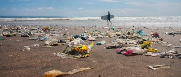 Végre! Tengeri műanyag-hulladékot gyűjtenek és hasznosítanak újra