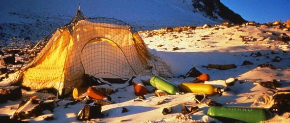 Nyolc kiló szemetet kell lehoznia a világ csúcsáról minden hegymászónak